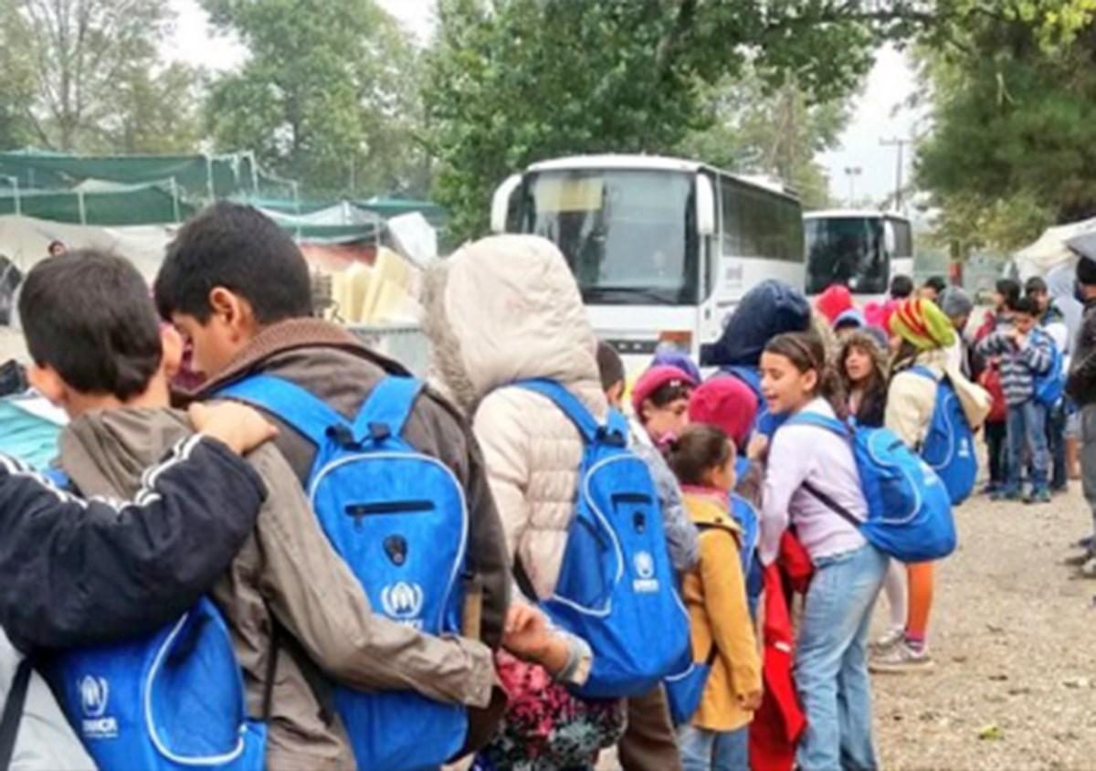 Αναφορά στον εισαγγελέα μετά από απειλές σε εκπαιδευτικούς για τη φοίτηση προσφυγόπουλων σε σχολεία του Βόλου