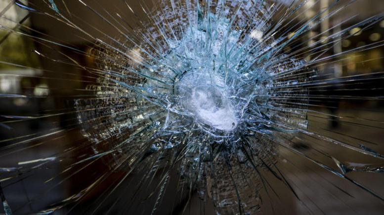 Καταδρομική επίθεση σε γραφεία οπαδών του ΠΑΟΚ στην Αθήνα