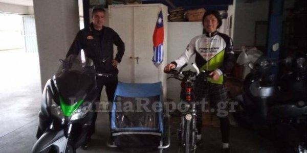 Ποδηλάτης ξεκίνησε από την Αλάσκα το 2015 και έφτασε στη Λαμία το 2019