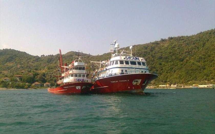 Τουρκικά αλιευτικά αγκυροβόλησαν ανοικτά της Μυκόνου