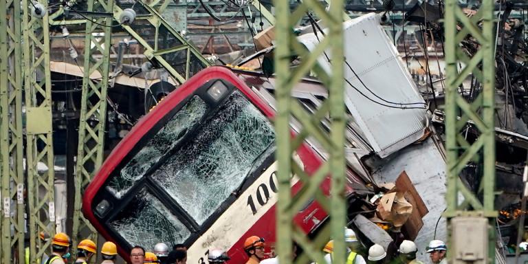 Σύγκρουση τρένων στην Τσεχία – Πληροφορίες για 3 νεκρούς και τουλάχιστον 30 τραυματίες