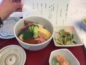 ぱしふぃっくびいなす海鮮丼