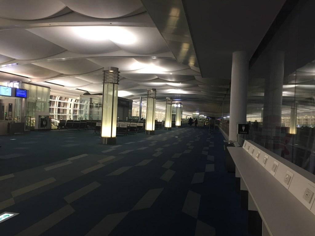 羽田空港午前3時