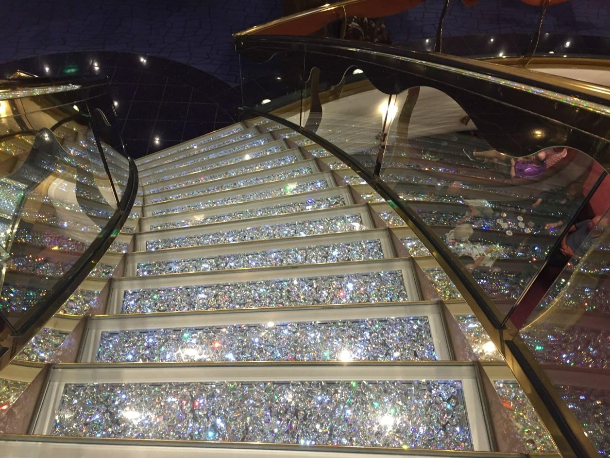 MSCスプレンディダの階段