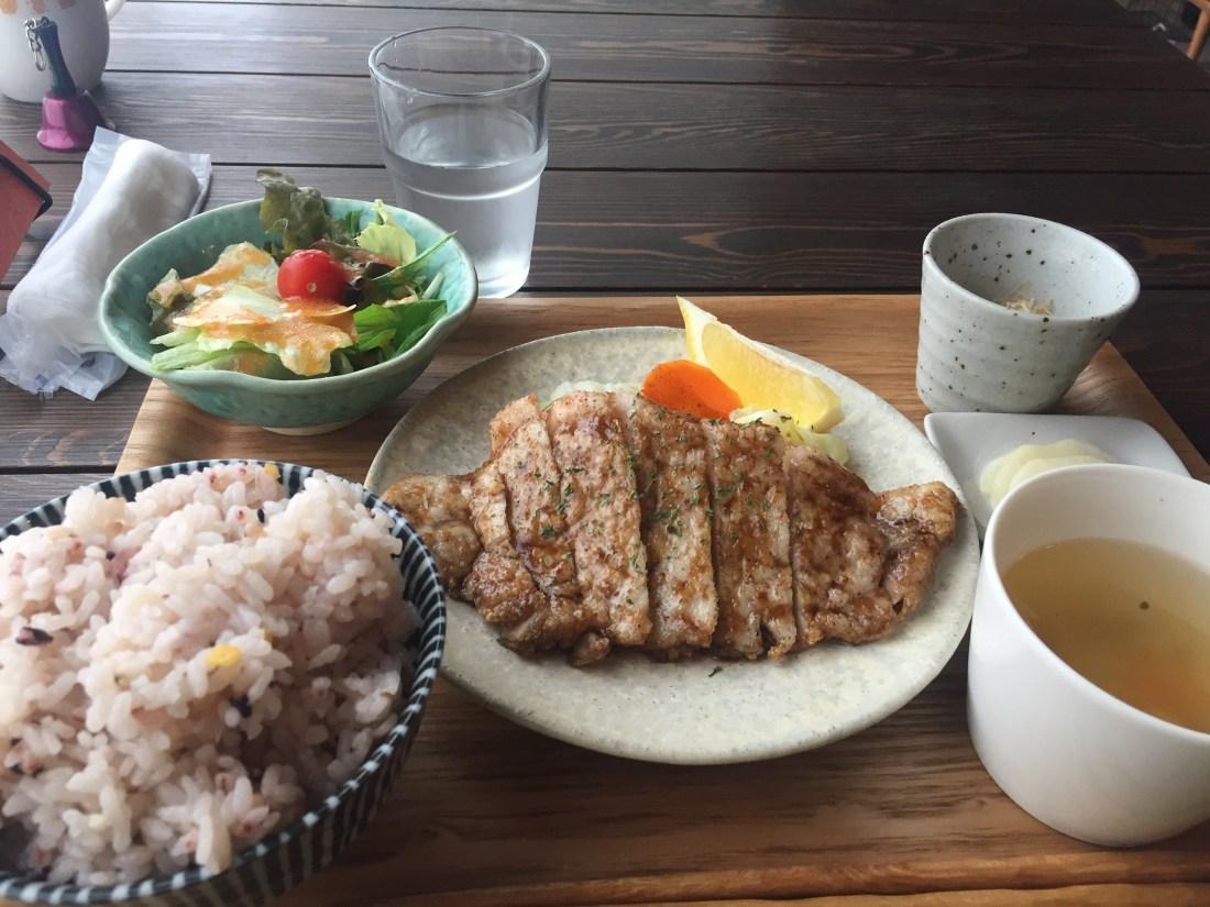 キッチンコハレの定食