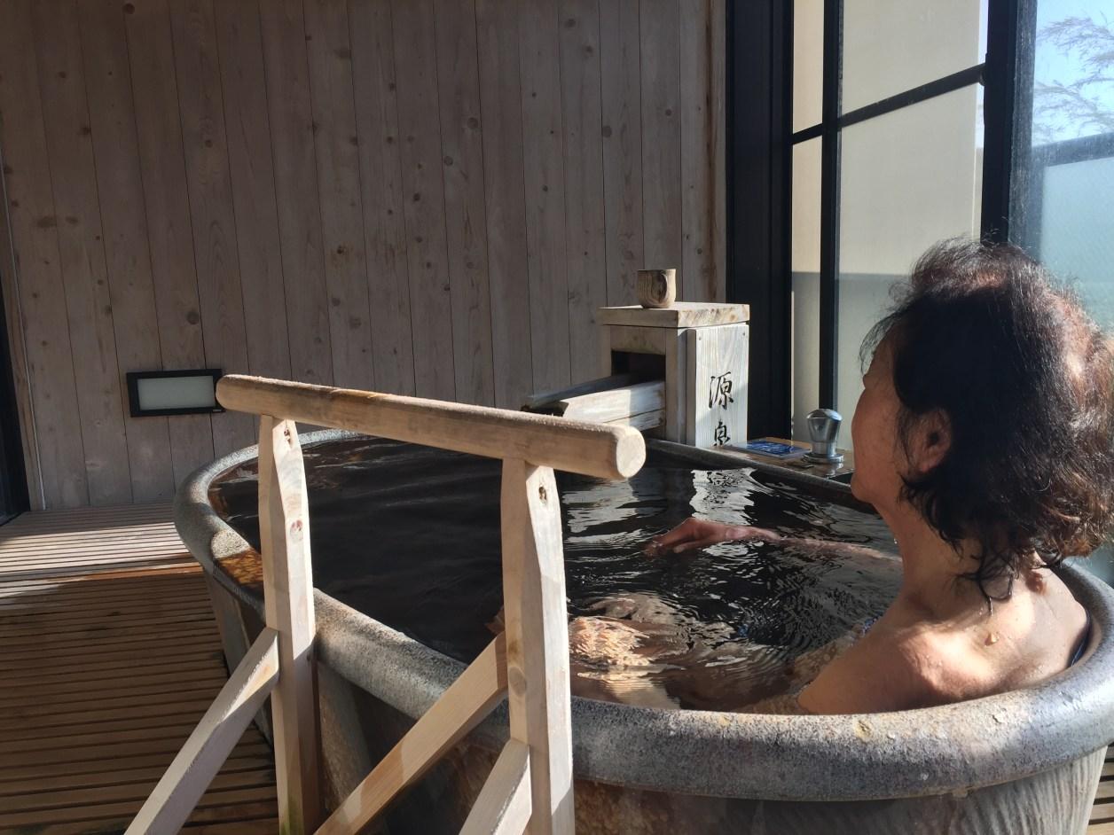 観音温泉ピグマリオン入浴シーン
