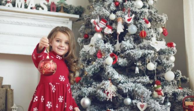 10+1 Στιλάτα Χριστουγεννιάτικα Δέντρα που θα σας Εντυπωσιάσουν