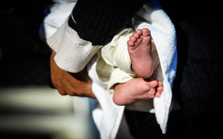 Νοσοκομείο έδωσε λάθος μωρό σε ζευγάρι