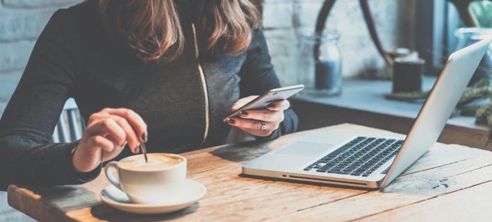 Ο λόγος για τον οποίο δεν πρέπει να πίνεις ποτέ καφέ ή τσάι από τις κούπες του γραφείου -Τι αναφέρει έρευνα