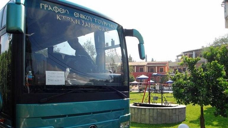 Όταν ο οδηγός λιποθύμησε, ο μαθητής σταμάτησε το λεωφορείο
