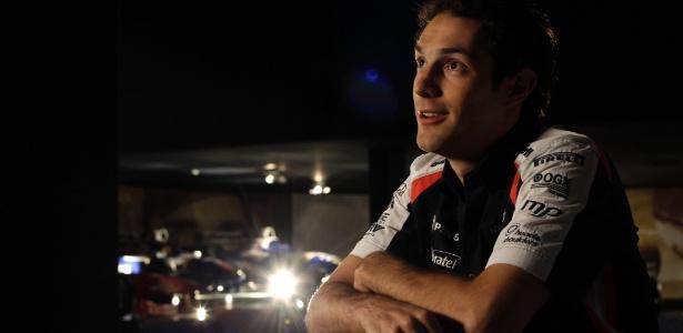 Bruno Senna posa oficialmente como novo piloto da Williams para a temporada 2012