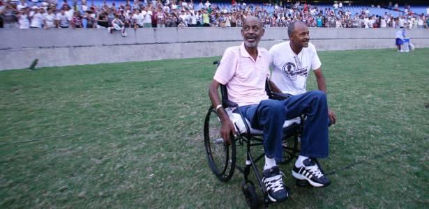 Torcidas de Flu e Atlético-PR homenageiam Washington (e) no Maracanã em 2009