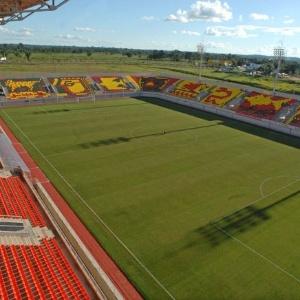 A Arena da Floresta, estádio inaugurado em 2006 na cidade de Rio Branco (AC), tem capacidade para 14.500 pessoas. O estádio foi construído para concorrer com Manaus (AM) e Belém (PA) a ser uma das sedes da Copa de 2014. Há quatro setores de arquibancadas, camarotes e tribunas, além de catracas eletrônicas e sistema de câmeras móveis de segurança. A obra custou R$ 33 milhões, menos do que custará a primeira fase da reforma do Canarinho, em Boa Vista (RR), que reduzirá a capacidade do estádio dos atuais 8.000 lugares para cerca de 5.000.