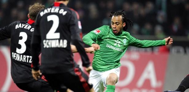 Wesley em partida contra o Bayer Leverkusen, em Bremen, na Alemanha