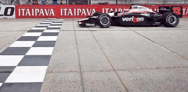 Will Power cruza em primeiro a prova paulista da Indy (02/05/2011)