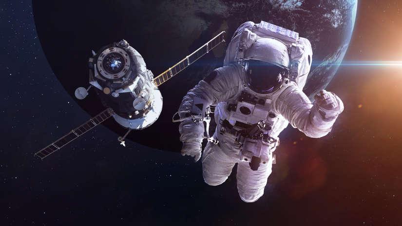 Una de las profesiones del futuro será ser guía de turismo espacial.