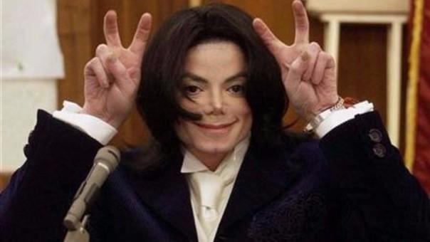 Michael Jackson durante el juicio por su segunda acusación de abuso de menores