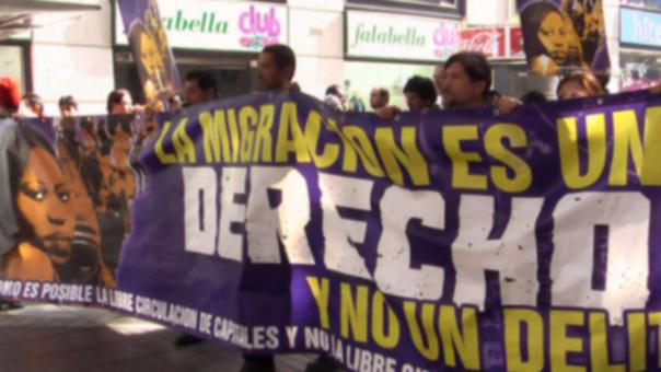 Peruanos se movilizaron para pedir mejores políticas migratorias en Chile.