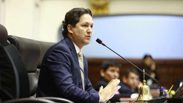 Daniel Salaverry en una sesión del pleno del Congreso de la República.