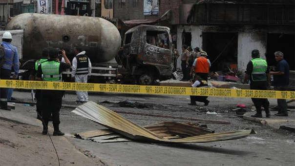 La deflagración se produjo tras una fuga de gas de un camión cisterna.