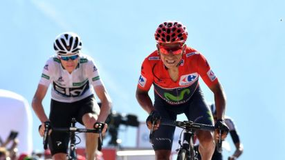Nairo Quintana (right) and Chris Froome (left) finished in the bunch on stage 18