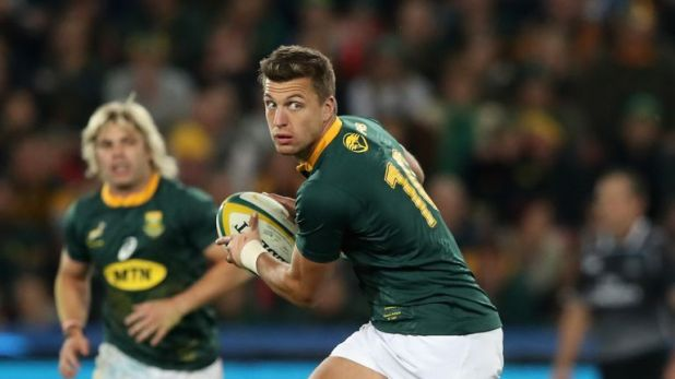 Handre Pollard looks to pass the ball for the Springboks