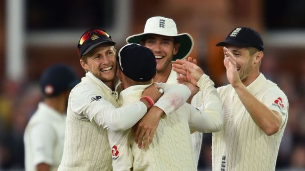 England celebrate Ollie Pope's run-out of Cheteshwar Pujara