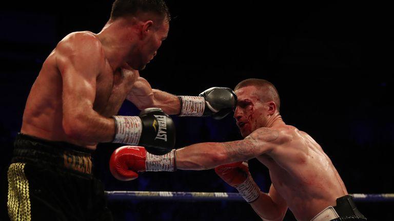 Foot lands a jab on Davies Jnr