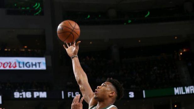 Giannis Antetokounmpo takes flight against Indiana