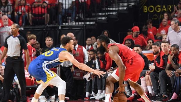 Stephen Curry guards James Harden in Game 6