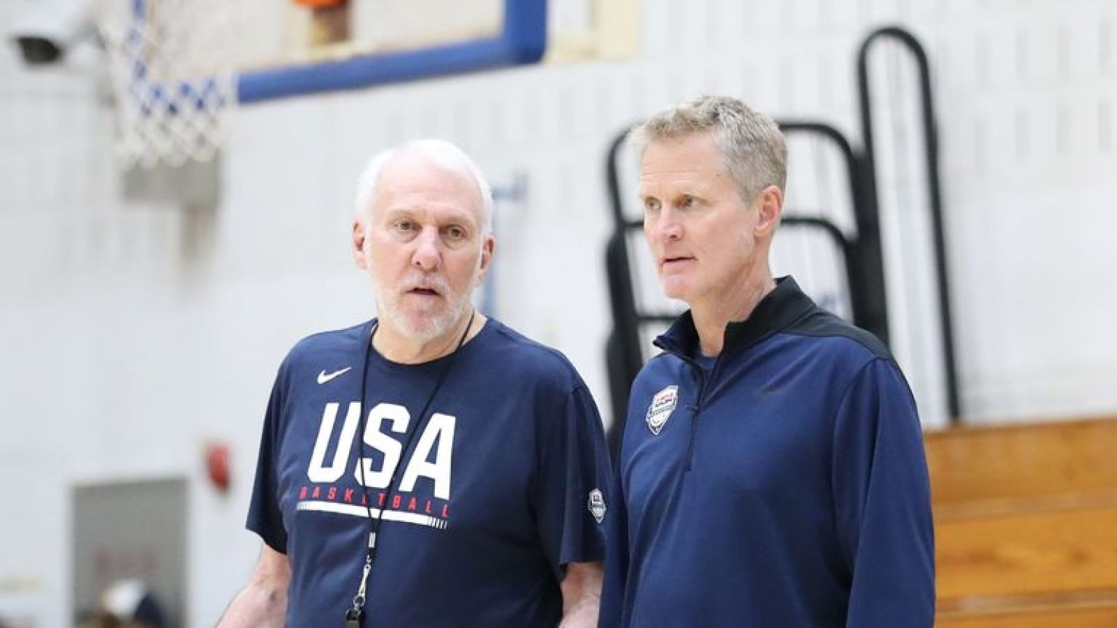 Gregg Popovich chats with Team USA assistant coach Steve Kerr