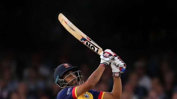 Ravi Bopara's 39 not out off 19 balls took Essex to Finals Day