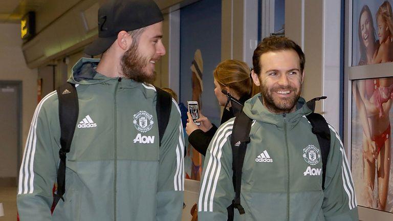 В течение последних нескольких сезонов «Манчестер Юнайтед» регулярно ездил в Дубай для тренировок в теплую погоду.