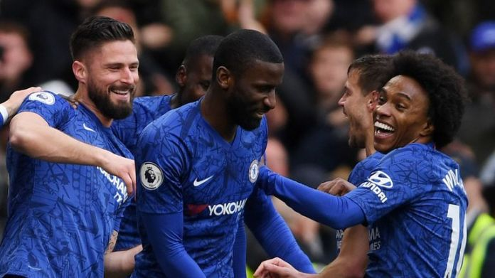 Willian (right) and Olivier Giroud (left) are both out of contract at Chelsea this summer