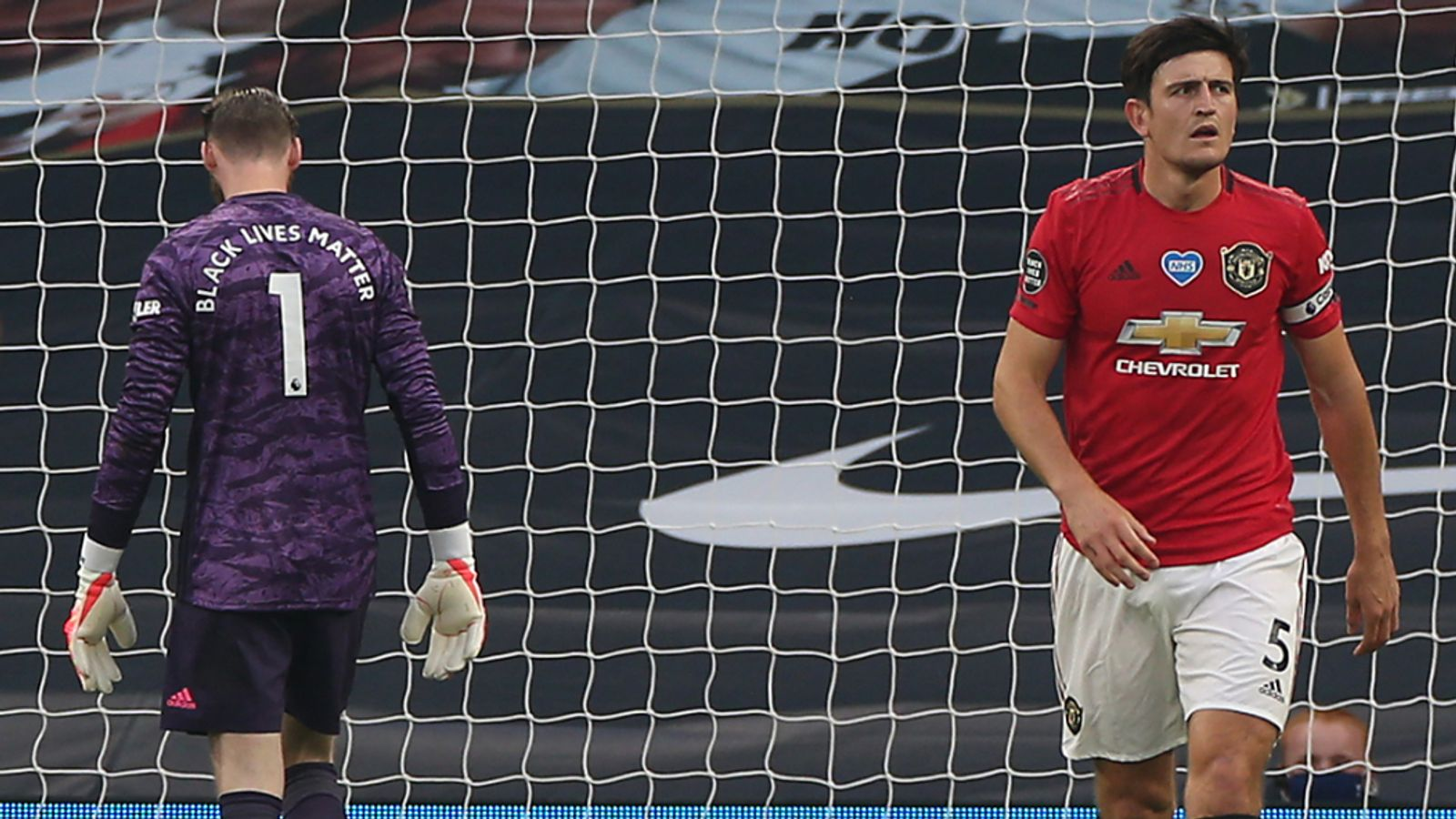 Photo of Roy Keane furious with Harry Maguire and David de Gea errors against Tottenham