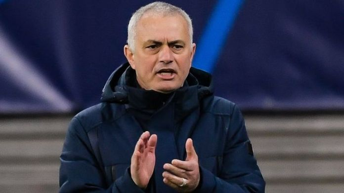 Jose Mourinho's Tottenham są o jeden punkt przewagi nad Sheffield United w tabeli Premier League