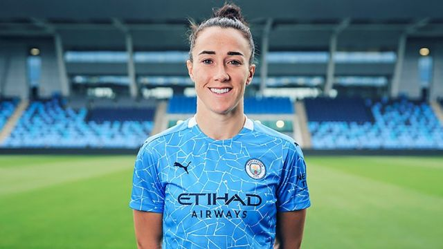 Lucy Bronze returns to Manchester City after three seasons in France