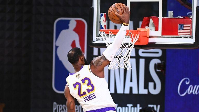 LeBron dunk
