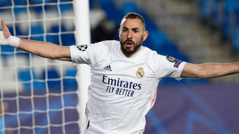 Real Madrid 2-0 Borussia Monchengladbach: Karim Benzema scores twice to book last 16 place | Football News | Sky Sports