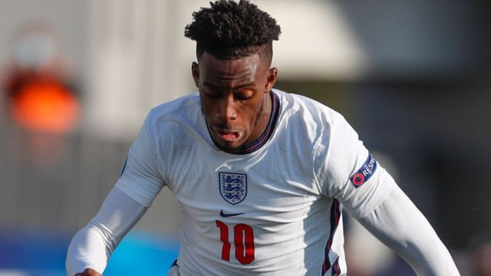 The  England Callum Hudson-Odoi runs with the ball during the Group D soccer match of the  Euro U21 between  England and Switzerland in Koper, Slovenia on Thursday, March 25, 2021 (AP Photo / Darko Bandic)