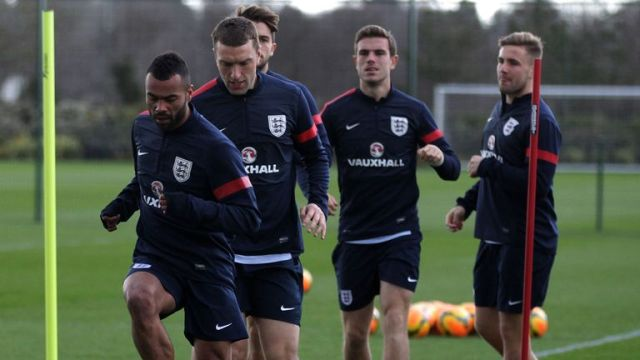 England training in March 2014 with Ashley Cole, Rickie Lambert, Jordan Henderson and Luke Shaw