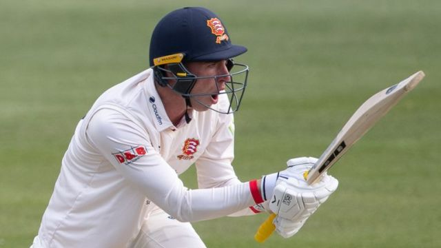 Dan Lawrence played well for his 46 as champions Essex started the campaign at home to Worcestershire