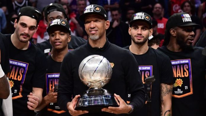 Monty Williams with the Western Conference Finals trophy