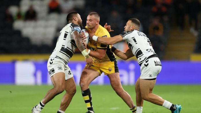 It's sixth vs seventh as Hull FC welcome Castleford Tigers to the MKM Stadium