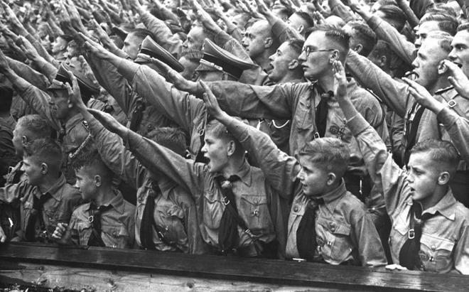 Teenage': el hilo que lleva desde el jazz hasta las Juventudes Hitlerianas | La Esfera de Papel