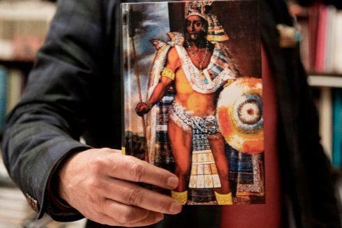 Ilustración del rey Moctezuma. Carrillo de Albornoz escribió una biografía sobre él.