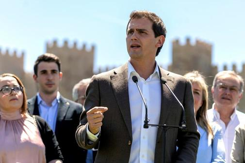 Albert Rivera, in an act of campaign