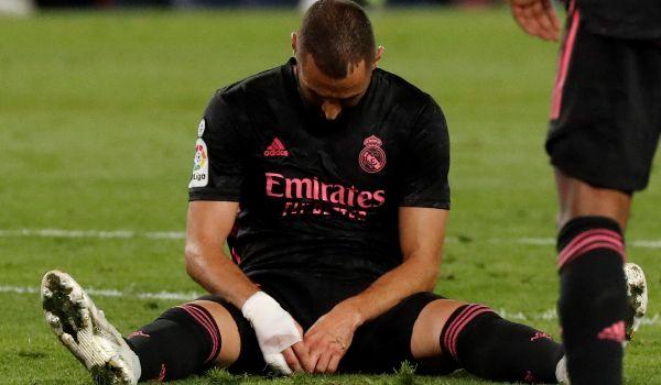 Benzema, tras una oportunidad perdida en Anoeta.