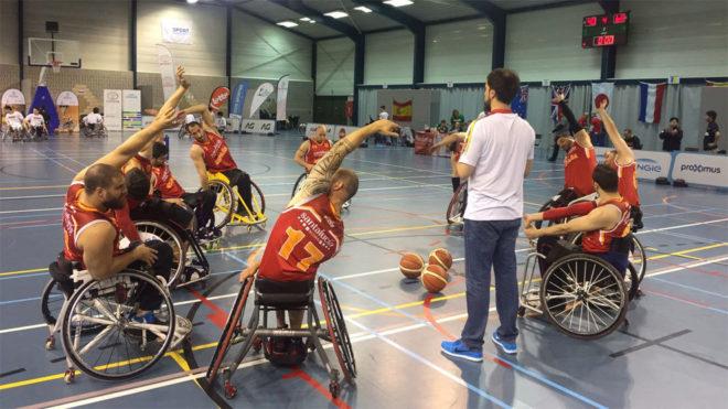 Entrenamiento de la selección española de baloncesto en silla.