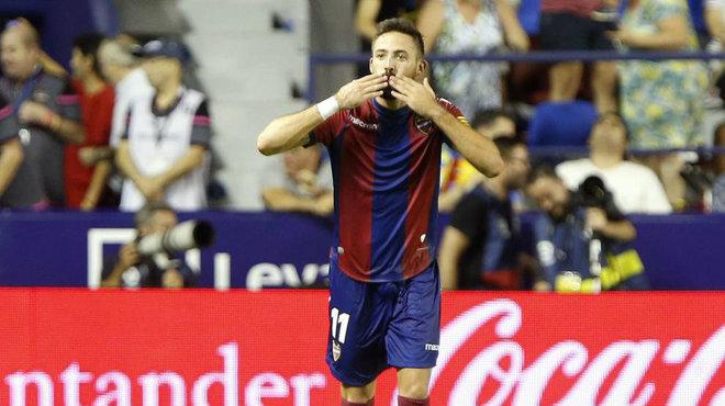 Morales celebra el gol que anotó al Villarreal en el Ciutat de...